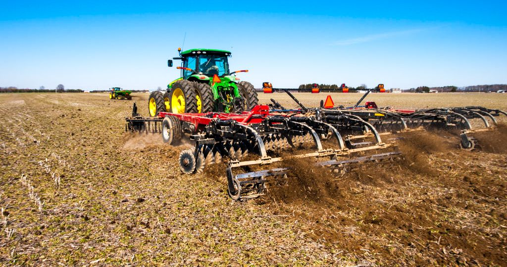 Chicken manure spreading and disk incorporation in Hurlock, MD